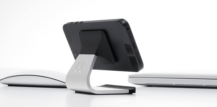 MO top 04 Bluelounge shows off a host of slick, Apple centric accessories at CES