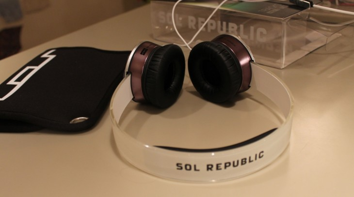 d3 730x407 SOL Republics Tracks HD headphones   funky, great sound...and indestructible?