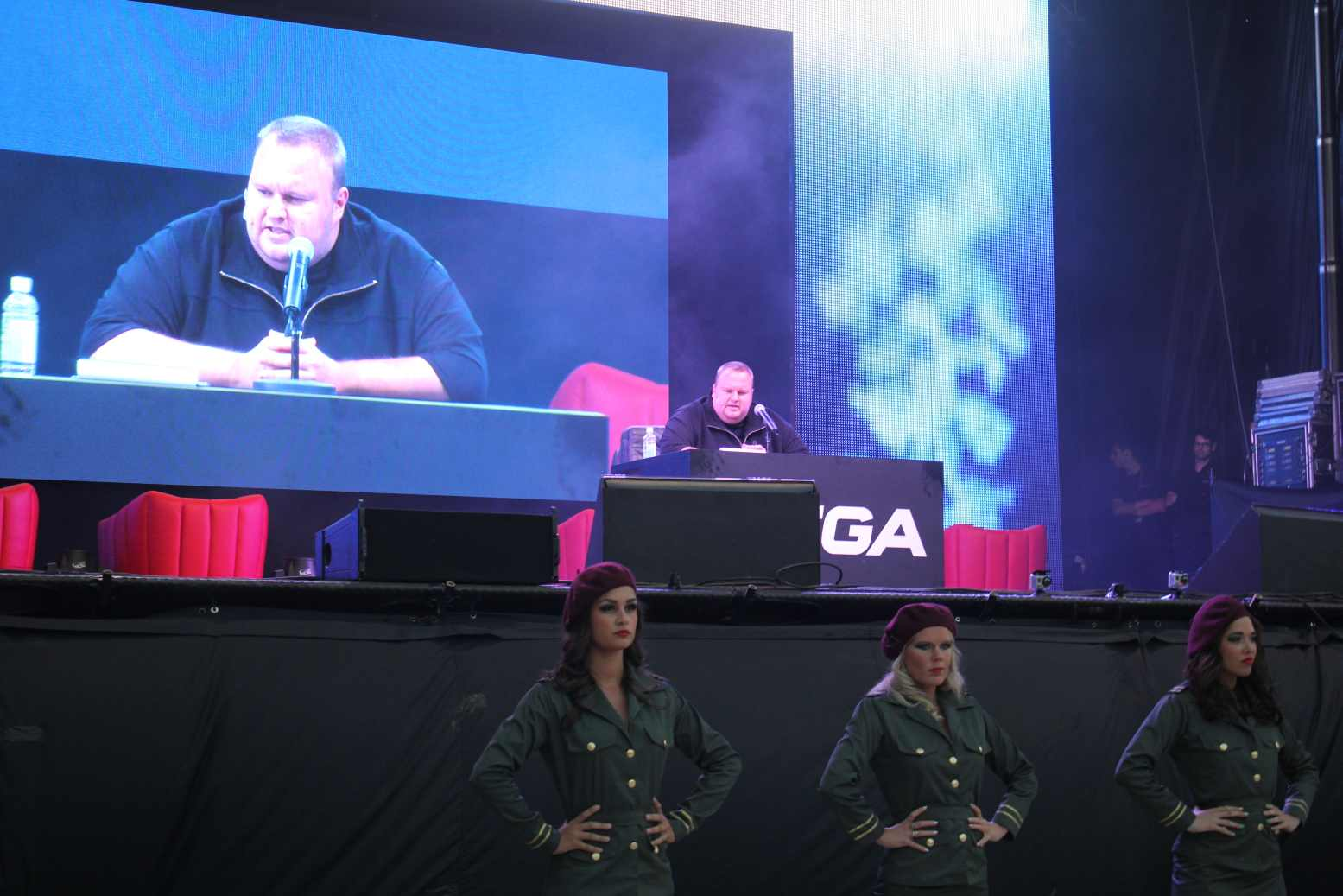 kim Mega hits 1 million users after one day as Kim Dotcom officially launches the service