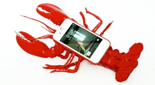 lobster phone case silly iphone 0 520x287 Issue v1.1 – WANT: Gadgets