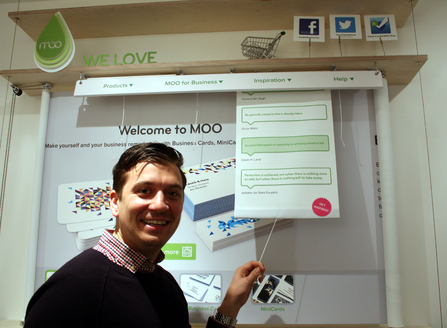 Paul Lewis Dir of Marketing Moo Moo takes its online printing emporium to the real world with a new bricks and mortar store in London