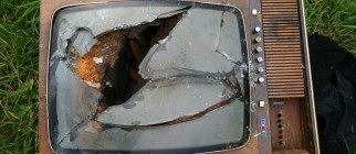 schmilblick broken tv flickr