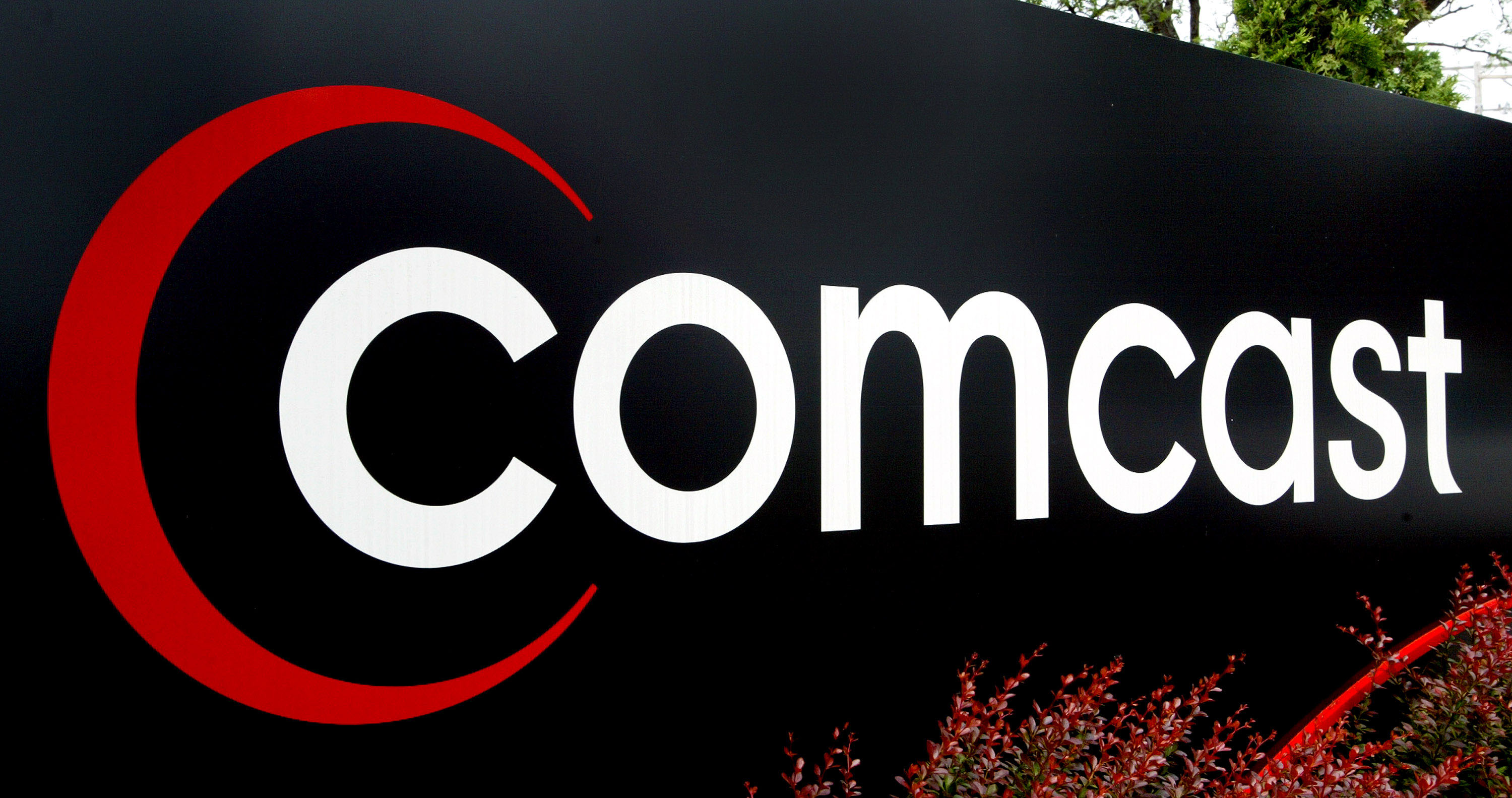 Time Warner Cable and Comcast confirm they will merge in deal worth $45.2bn