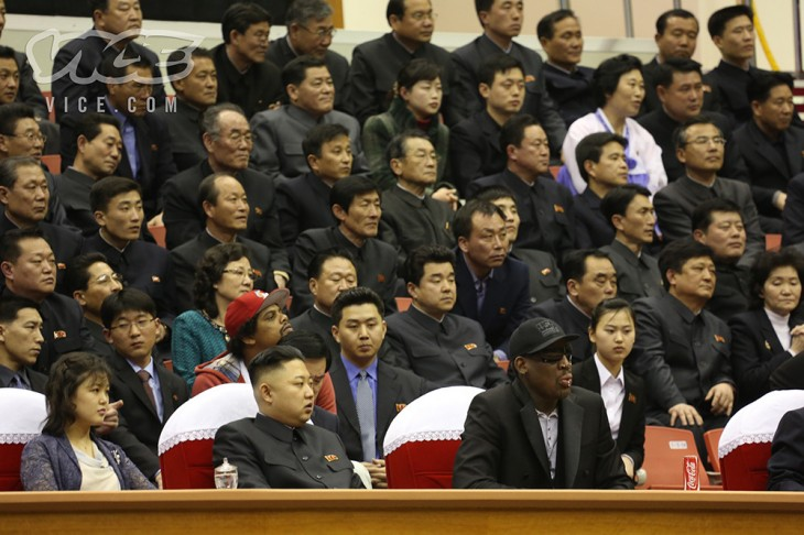 vice3 730x486 Surreal photos: Dennis Rodman watches basketball with North Korean leader Kim Jong un