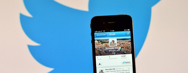 ITALY-VATICAN-POPE-AUDIENCE-INTERNET-TWITTER