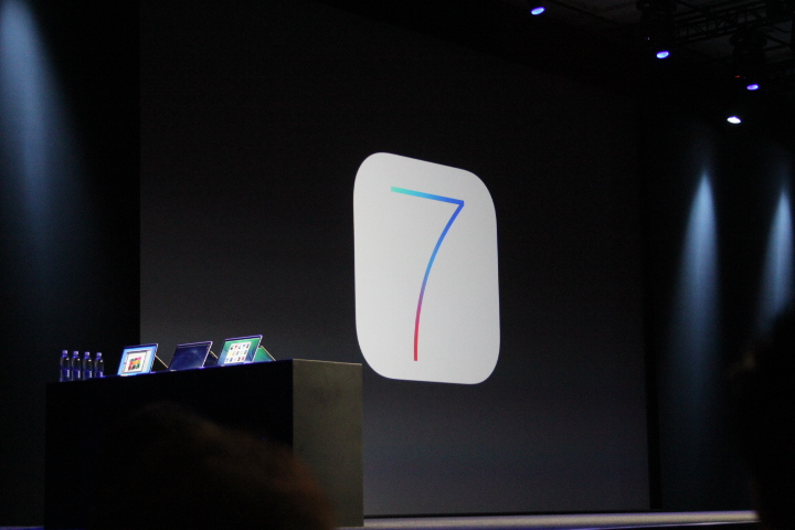 0107 Apple announces iOS 7: A major redesign, focused on simplicity with multitasking, Safari updates, more