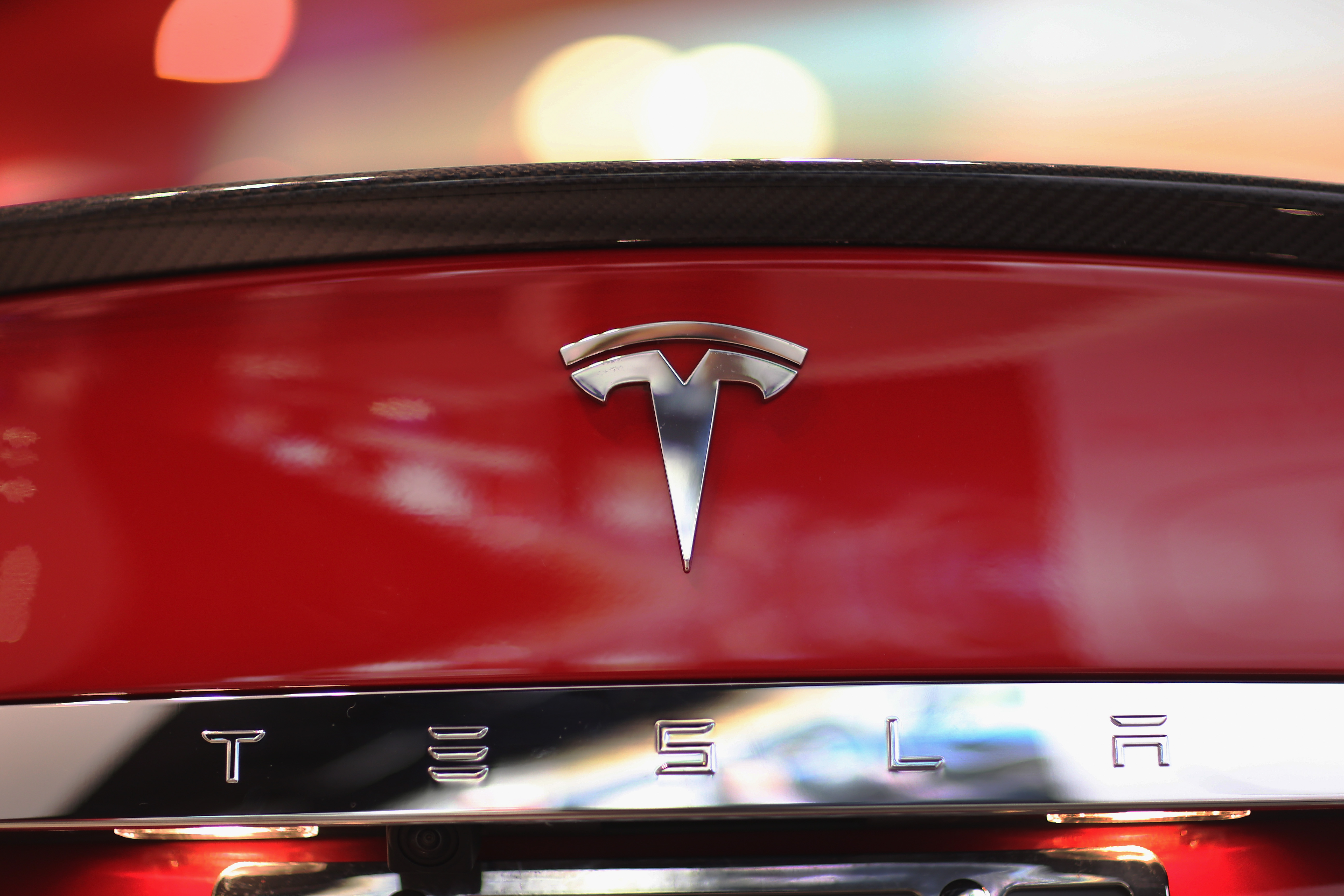 Tesla Wants Companies to Use its Patented Technology