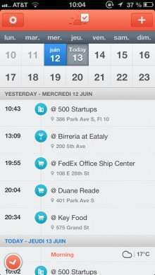 ClouDrop 13 juin 2013 10 04 59 220x390 Smart iOS calendar Sunrise now logs your Foursquare checkins and offers CrunchBase info for contacts