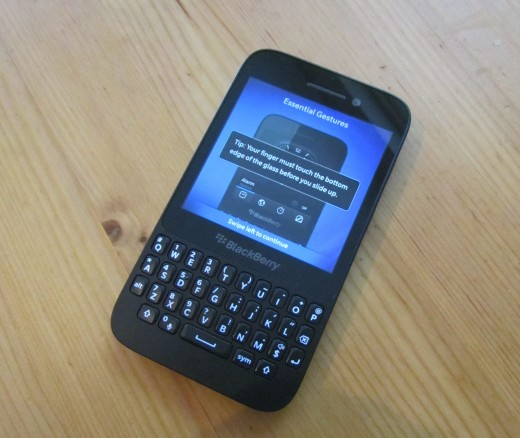 BBQ5 front 520x438 BlackBerry Q5 review: Can BlackBerrys mid range hopeful best the rest?