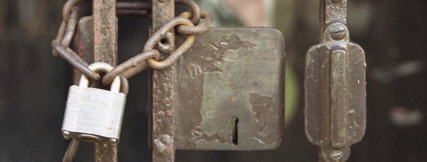 Dutch court rules that IP blocks are ineffective against piracy, unblocks The Pirate Bay