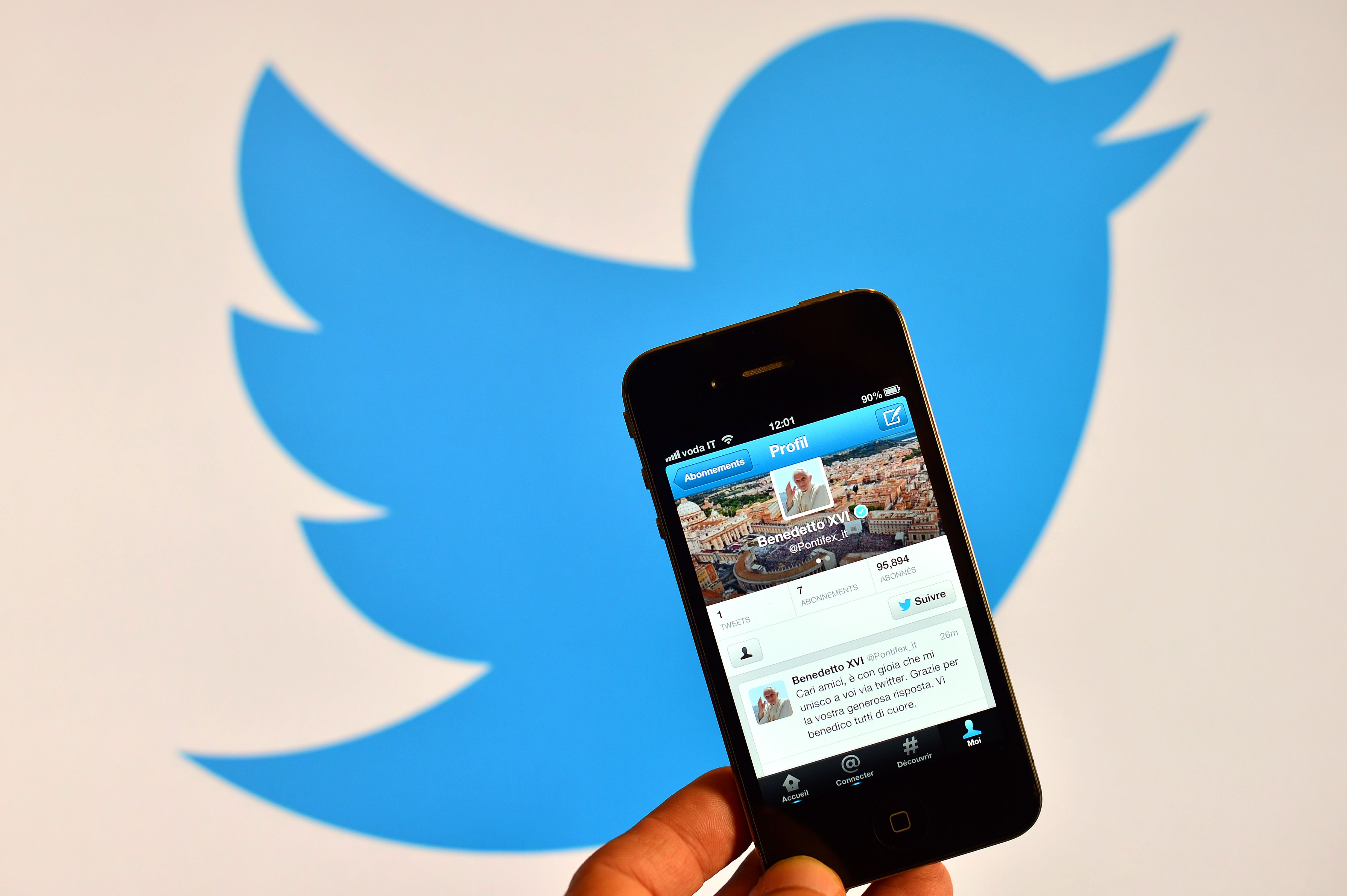 Twitter opens up mobile promoted account campaigns to all advertisers