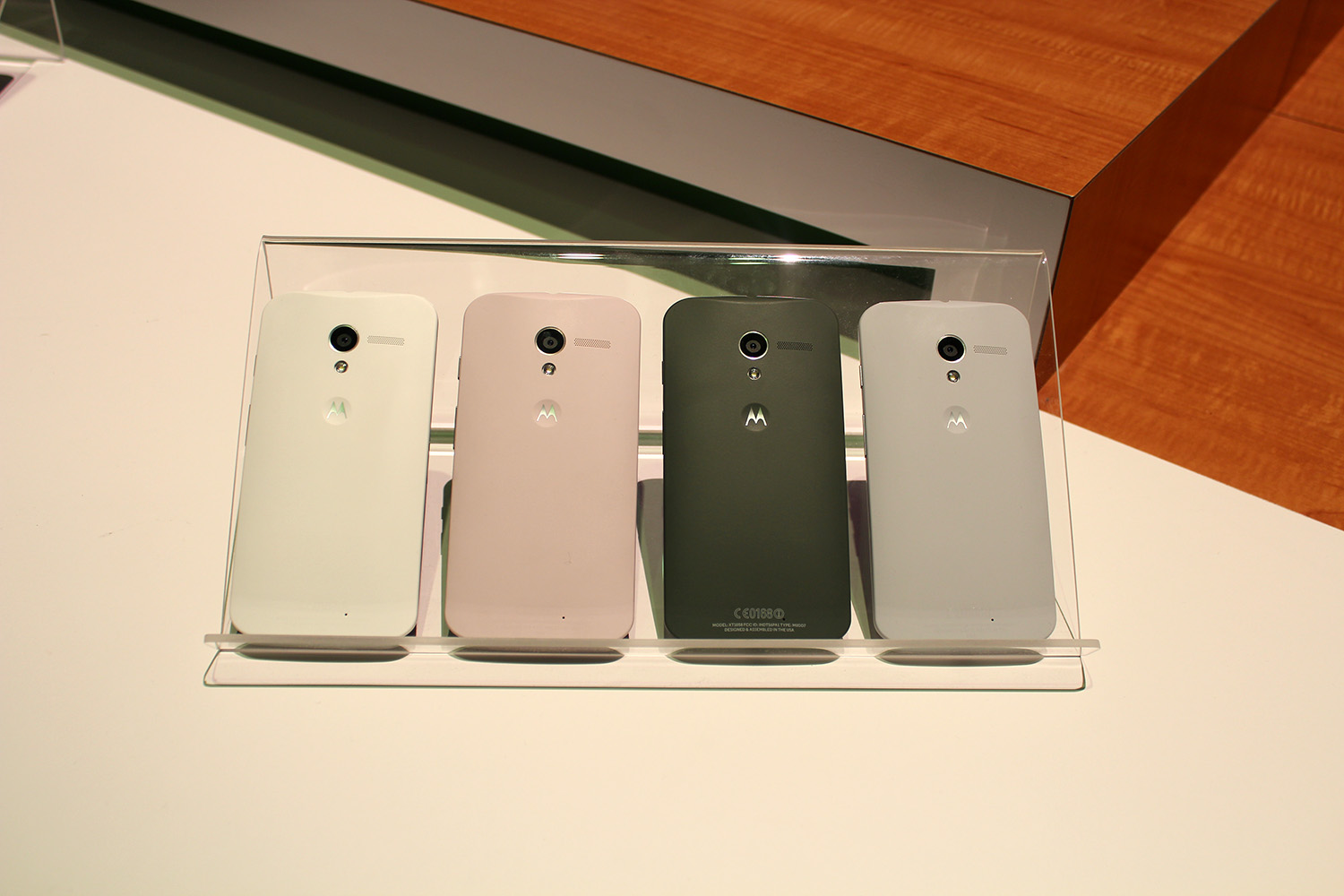 IMG 3099 Hands on with the Moto X: You wont lust after it, but its a solid smartphone