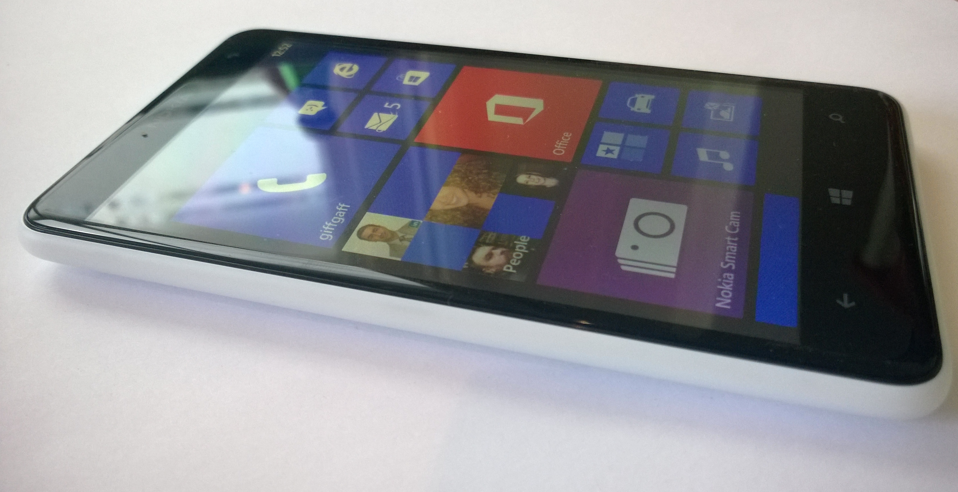 Lumia625 tiles Nokia Lumia 625 review: 4G saves the day, but the 4.7 display disappoints