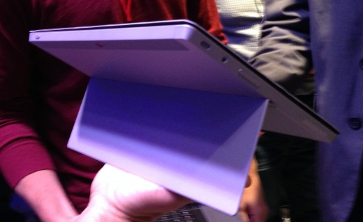 surface rear 520x319 Hands on with the Microsoft Surface 2 and Surface Pro 2