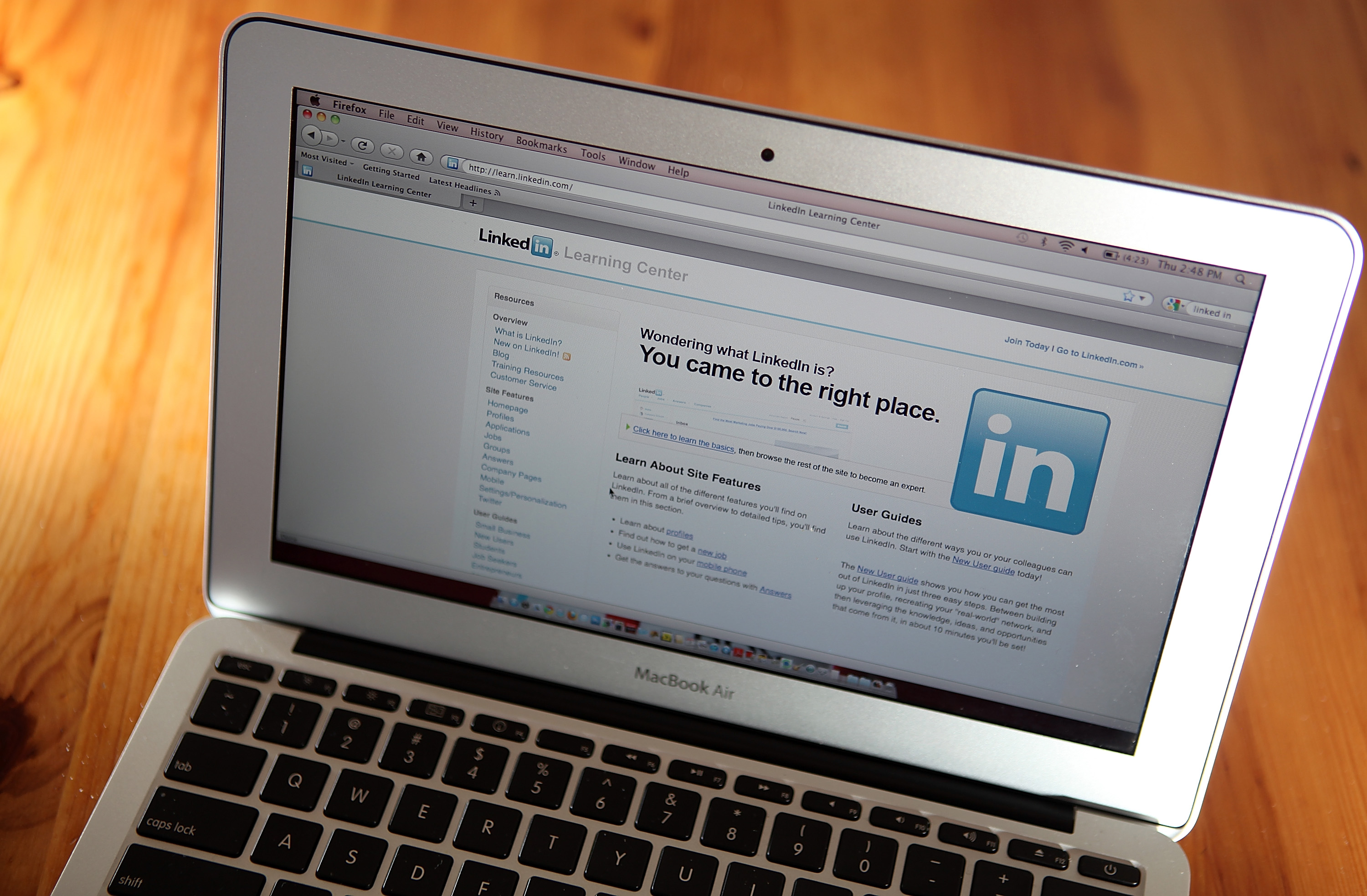 7 LinkedIn Stats to Improve Your Marketing Strategy