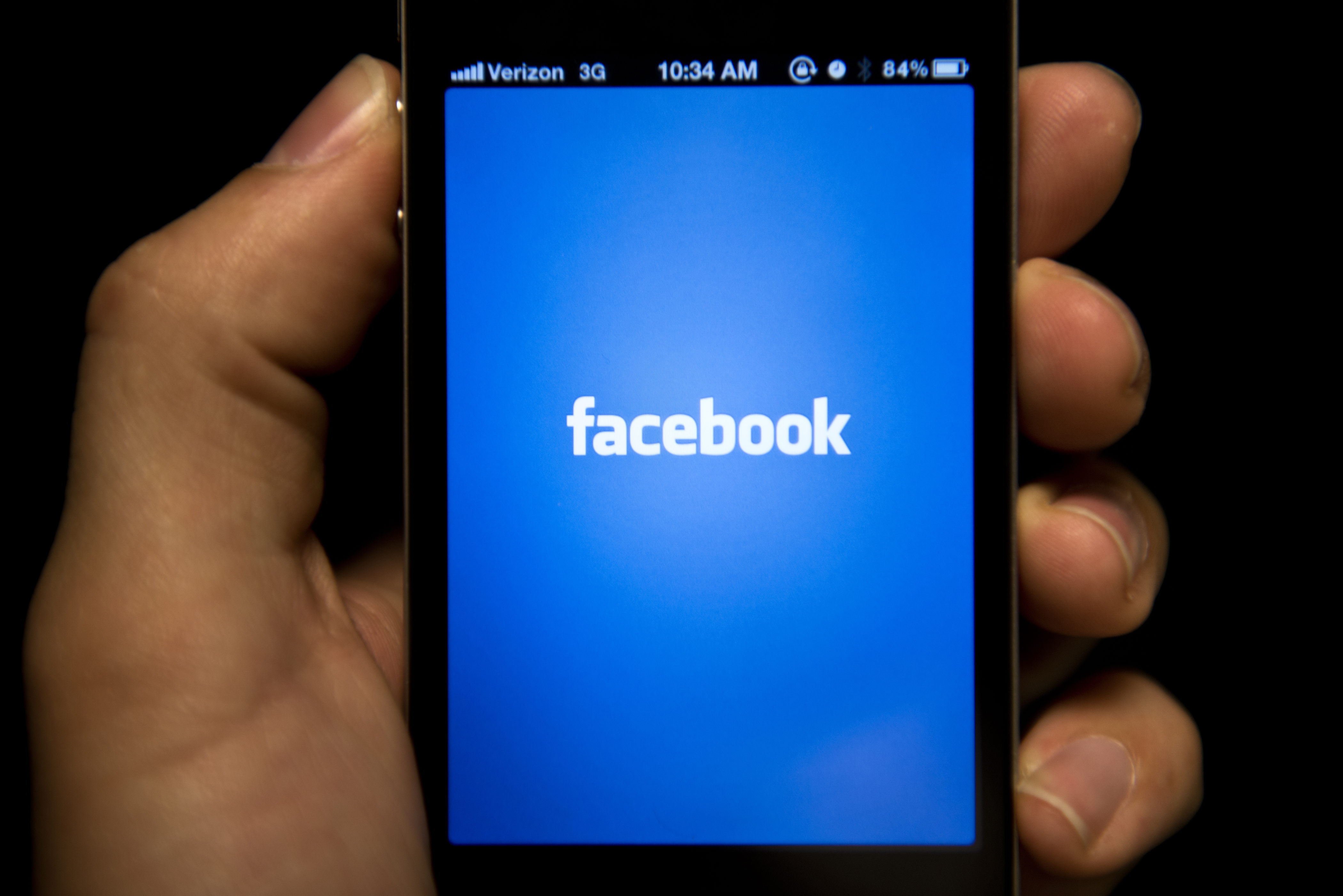 Facebook flaw allegedly prevents you from revoking app permissions on mobile