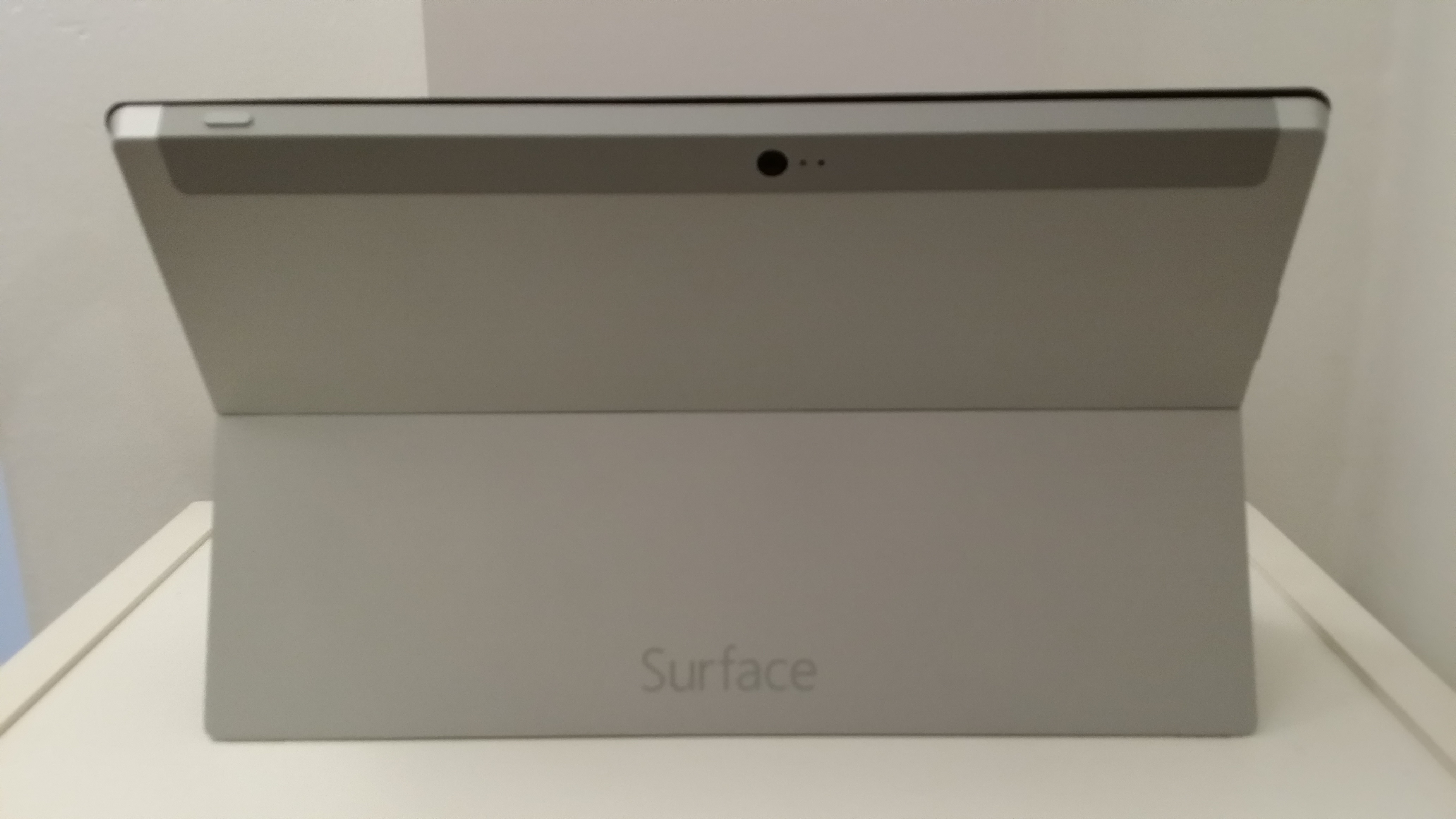 20131017 153155 Microsoft Surface 2 review: The tablet that needs to convince the world it deserves to exist