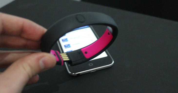 FuelBanditeslf1 730x383 Nikes activity tracker gets a turbo boost with the new FuelBand SE [Review]