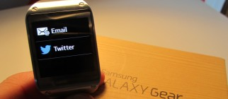 Galaxy_Gear_Feat
