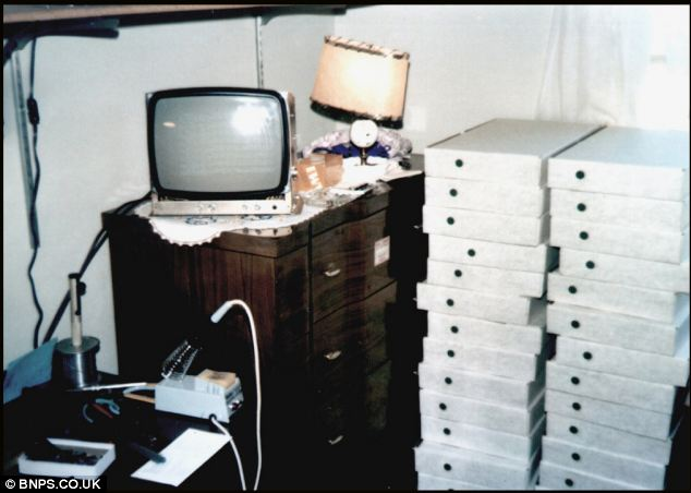 This rare photo shows the first batch of Apple 1 computers in 1976