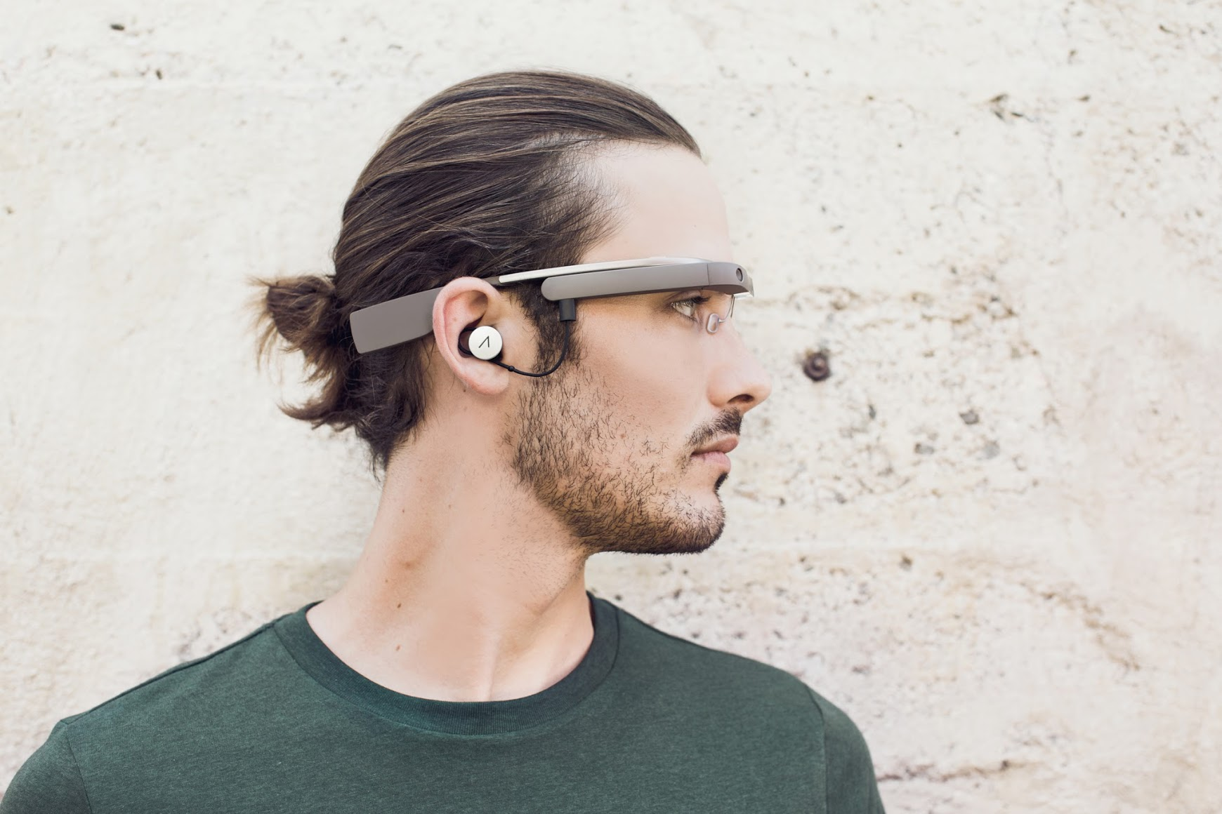 Google Glass to get music-related features including song search and streaming via Google Play
