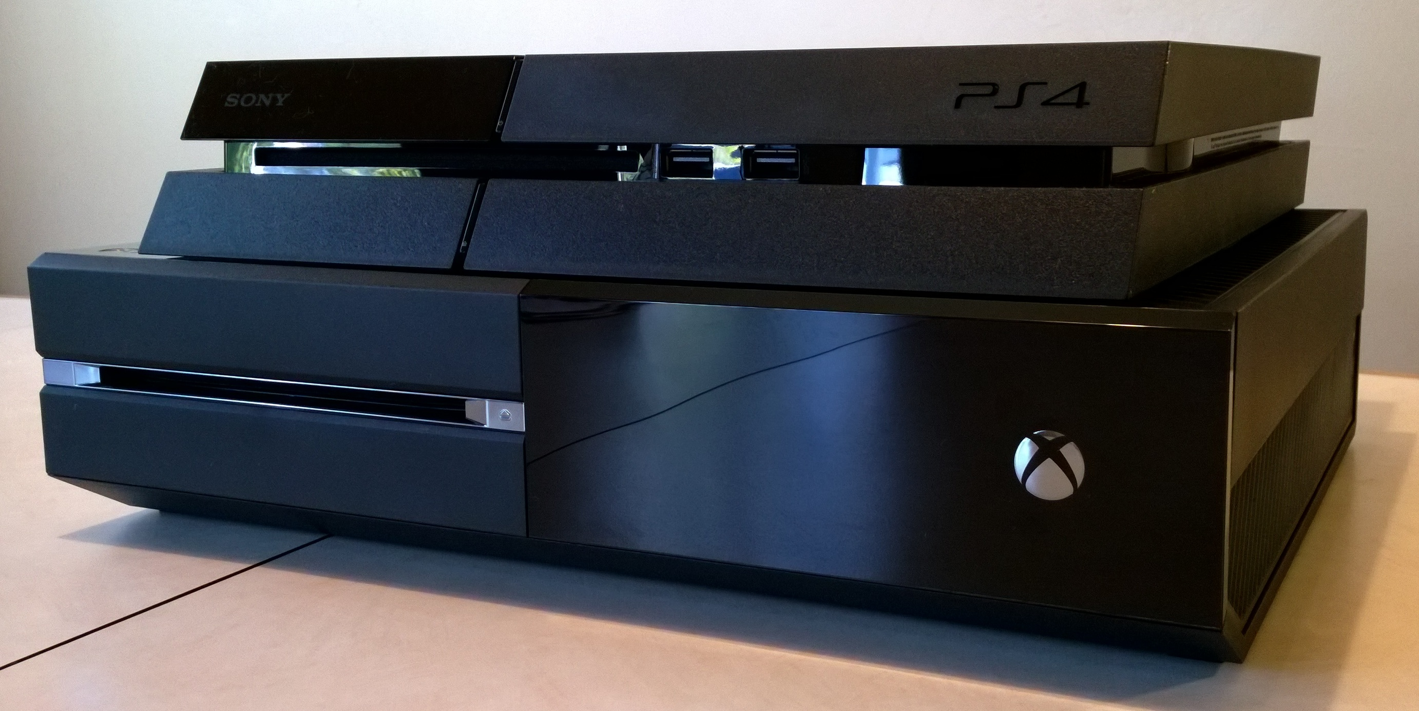 PlayStation 4 beat Xbox One for January console sales, but Xbox One sold more games