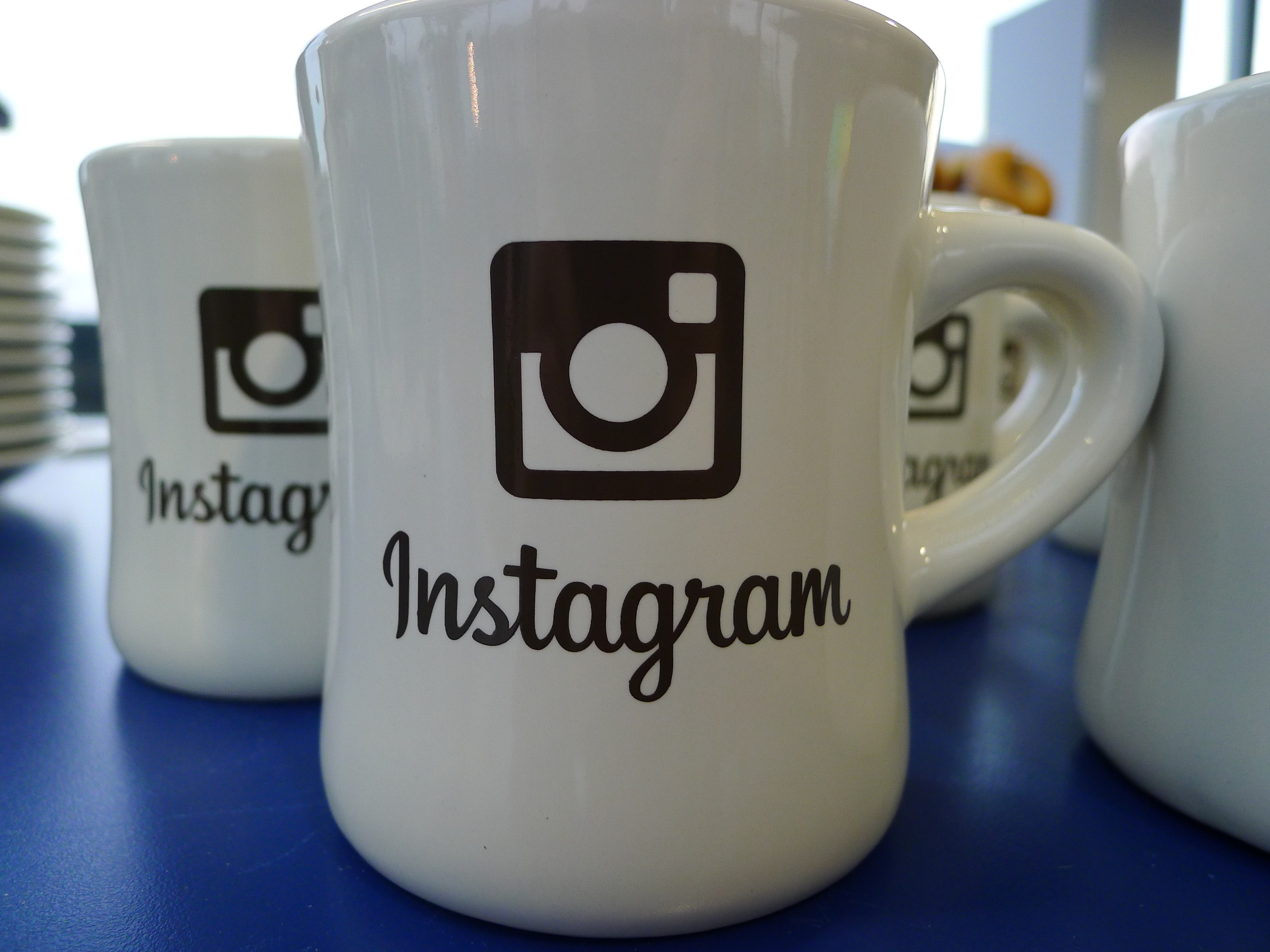 Instagram launches Instagram Direct, lets you share photos and videos privately with friends