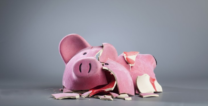 broken piggy bank 730x372 You dont need a co founder for your startup