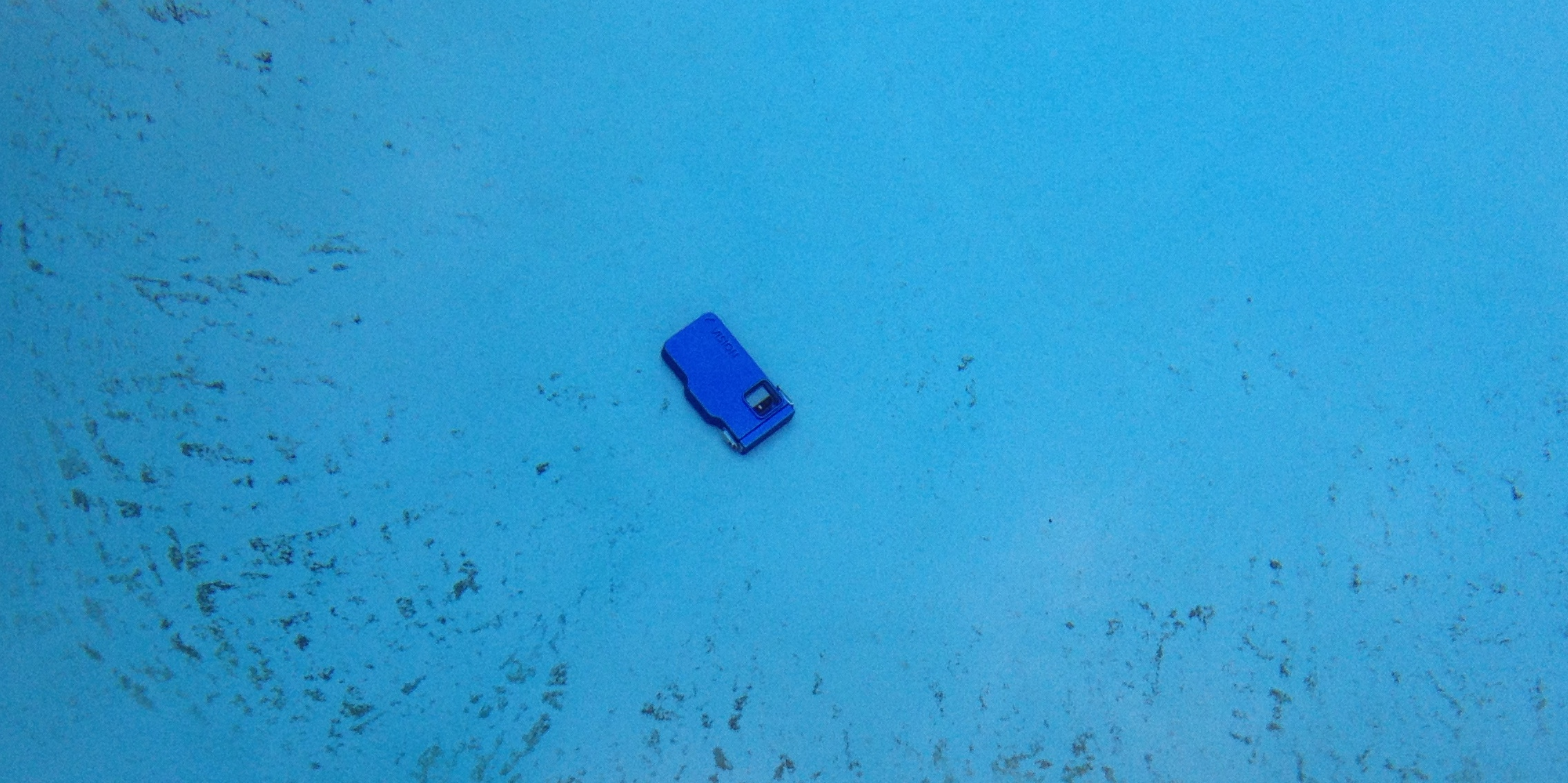 Take your iphone for a dive with the ovision underwater housing for Dropped iphone in swimming pool