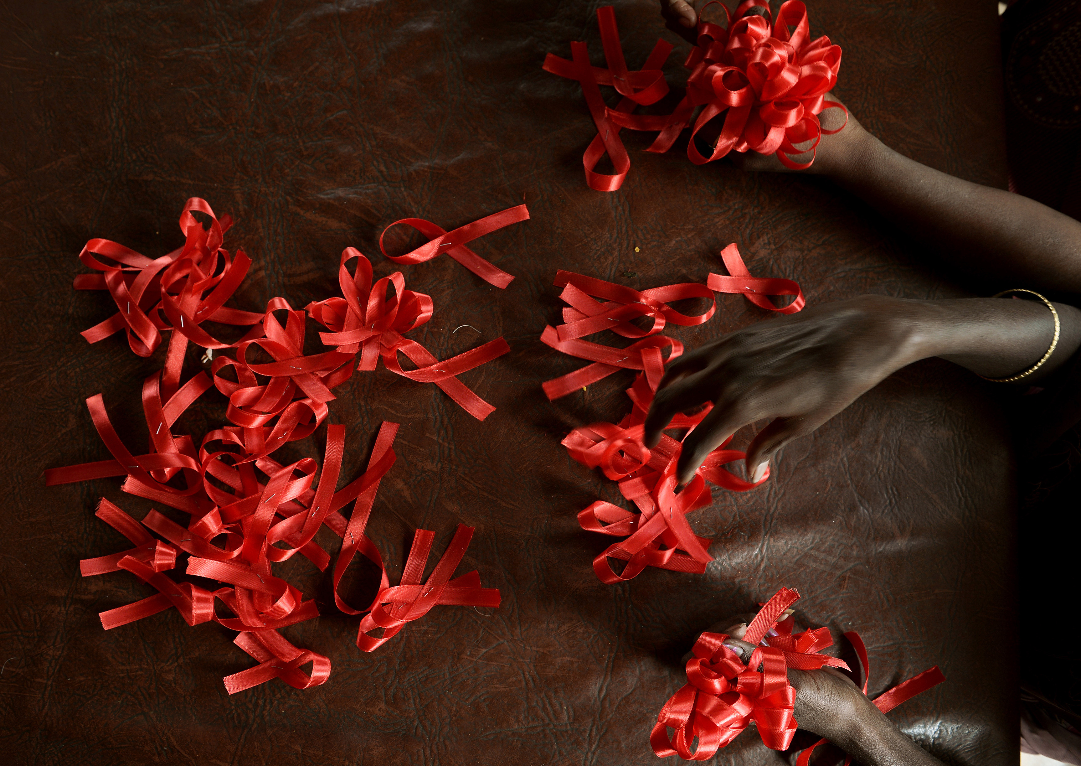 Y Combinator backs its second non-profit, Immunity Project, aimed at developing an HIV vaccine