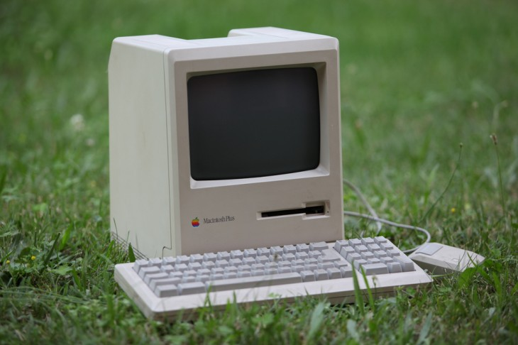3 Macintosh Plus 730x486 30 years in 33 photos: A visual history of the Apple Mac