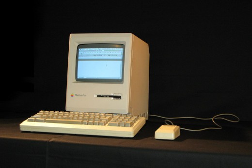 MacIntosh Plus img 1317 520x347 Do you remember your first Apple Mac?