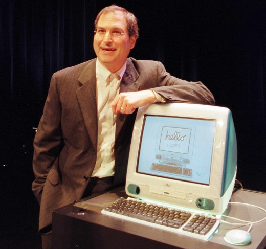 Steve Jobs and an iMac 520x487 Do you remember your first Apple Mac?