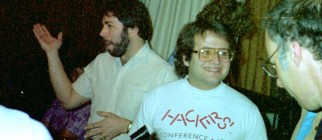 Steve_Wozniak_and_Andy_Hertzfeld_1985