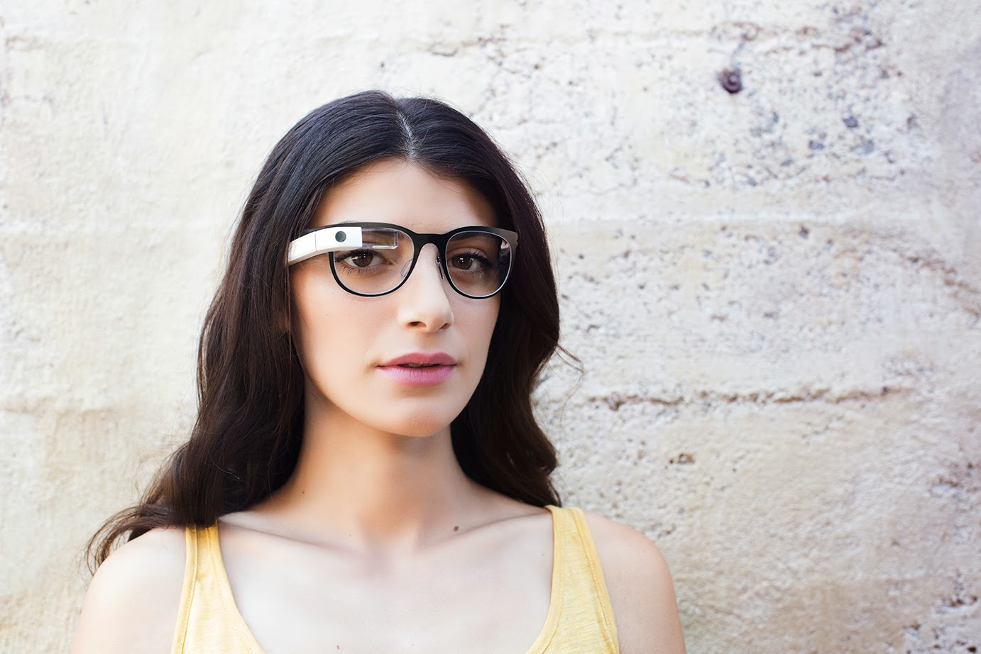 glass12 Google Glass can now be used with regular glasses after Google introduces $225 frames