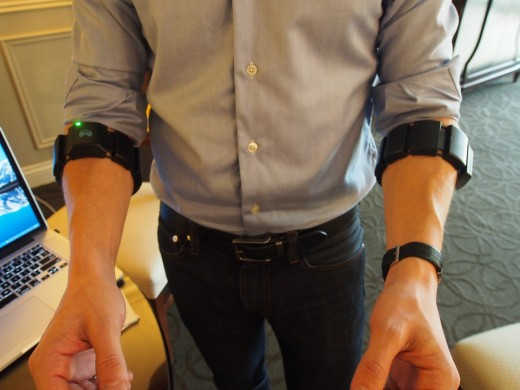 myo armband in action 520x390 Hands on with the MYO gesture control armband, wearable techs answer to Leap Motion and Kinect