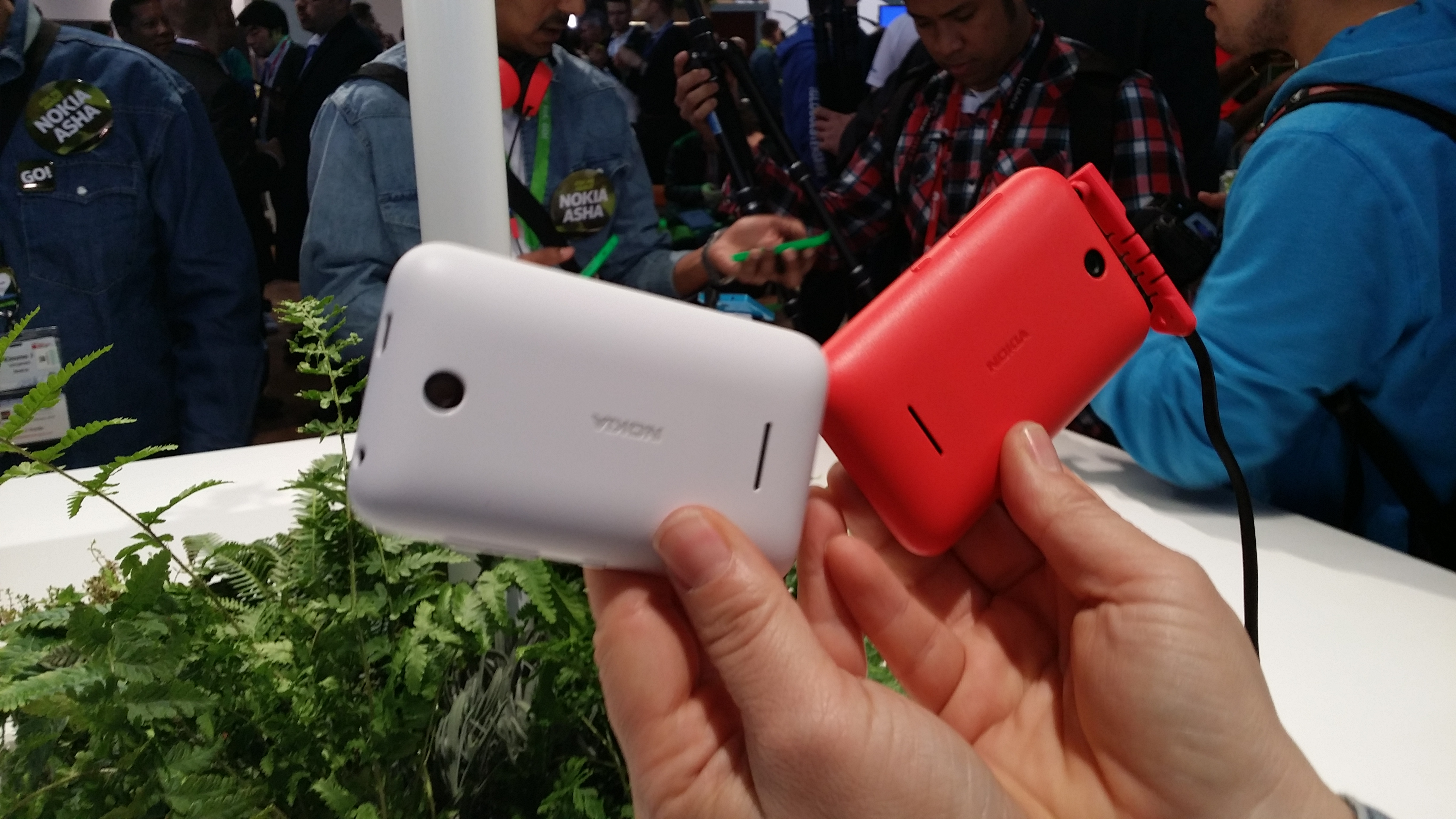 Asha 230 comes in a range of colors