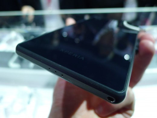 P1050048 520x390 Sony Xperia Z2 hands on:  A promising rival to the Samsung Galaxy S5