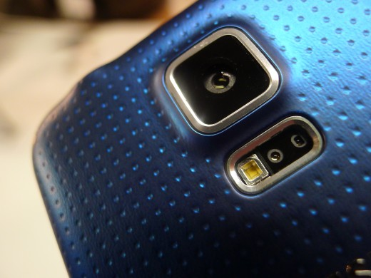 P1050091 520x390 Samsung Galaxy S5 hands on: Is the fingerprint scanner and heart rate monitor just a gimmick?