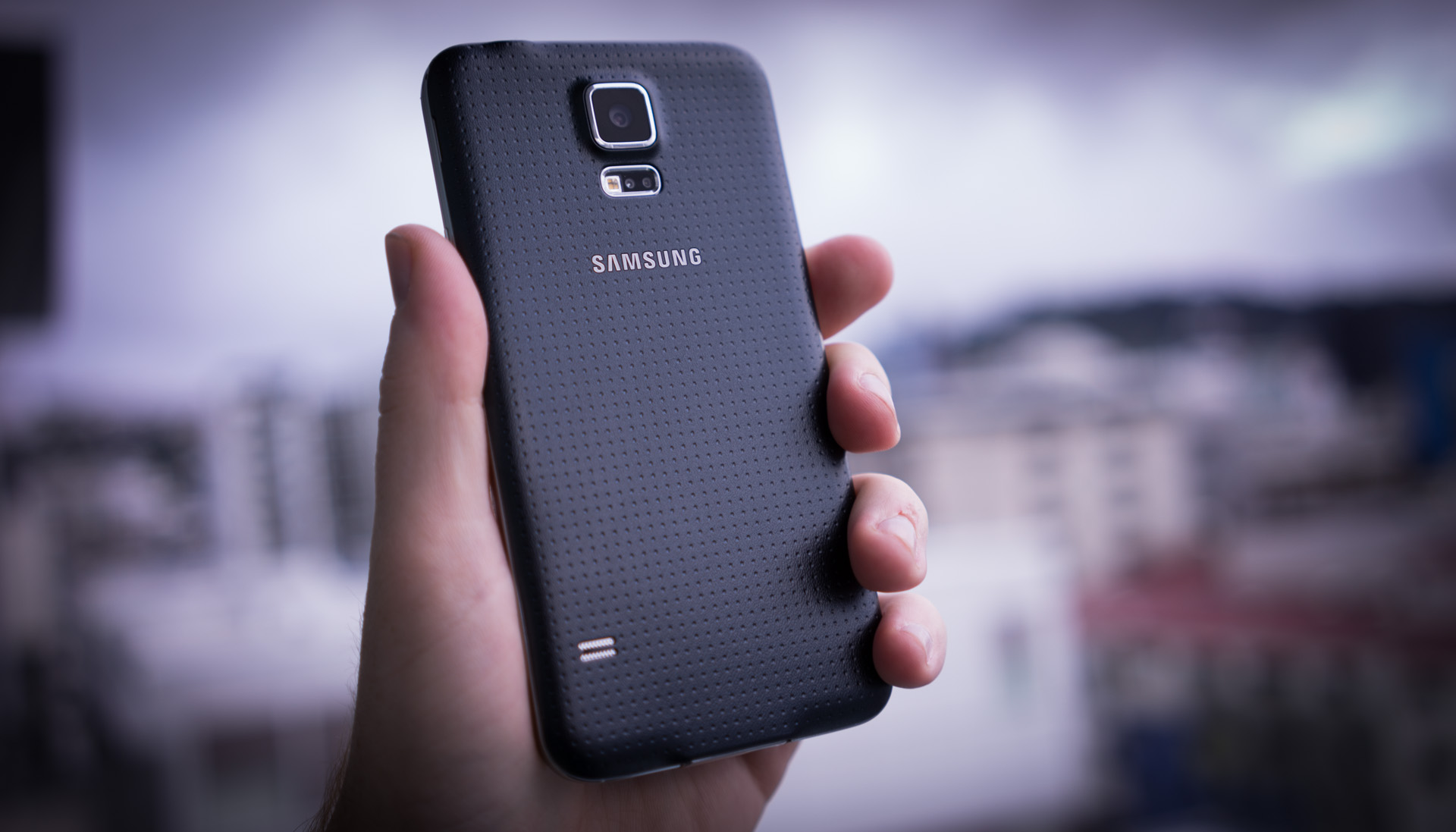 DSC07355 Samsung Galaxy S5 review: Incremental is the new cool