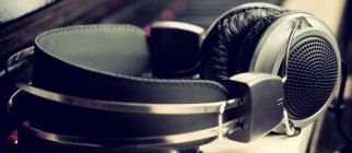 headphones-786×305