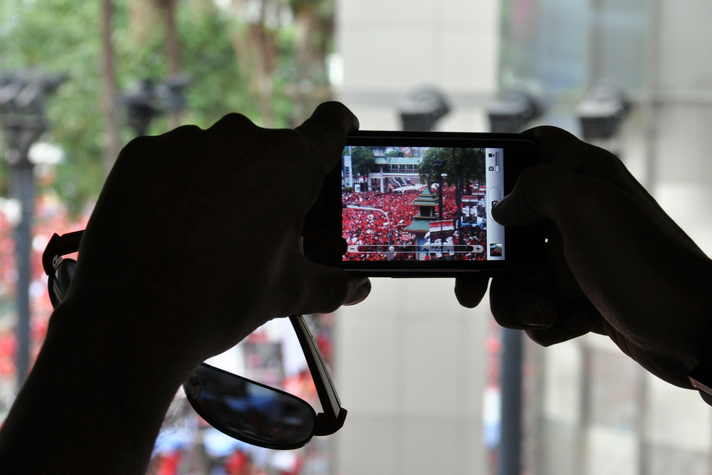 8 of the Best iOS Apps for Shooting and Sharing Video