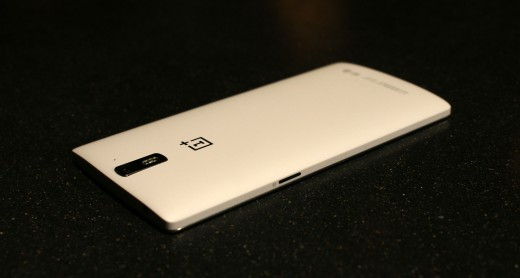 0429 cyanogen 12 520x278 OnePlus One gets more customizable with theme store and smart photo gallery app