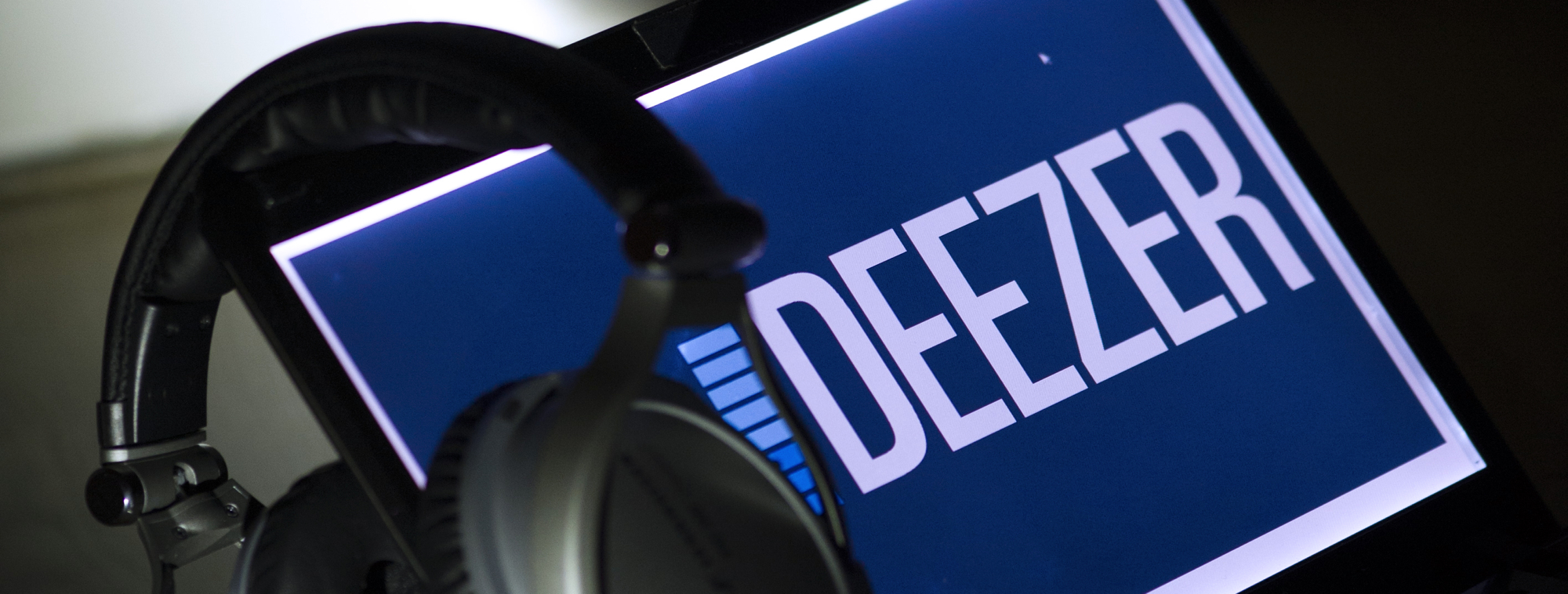 Samsung & Deezer Tempt Music Fans in Europe