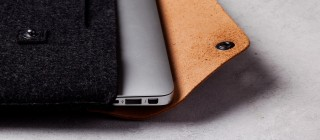 13-Macbook-Air-Pro-Retina-Sleeve-Tan-Lifestyle-003