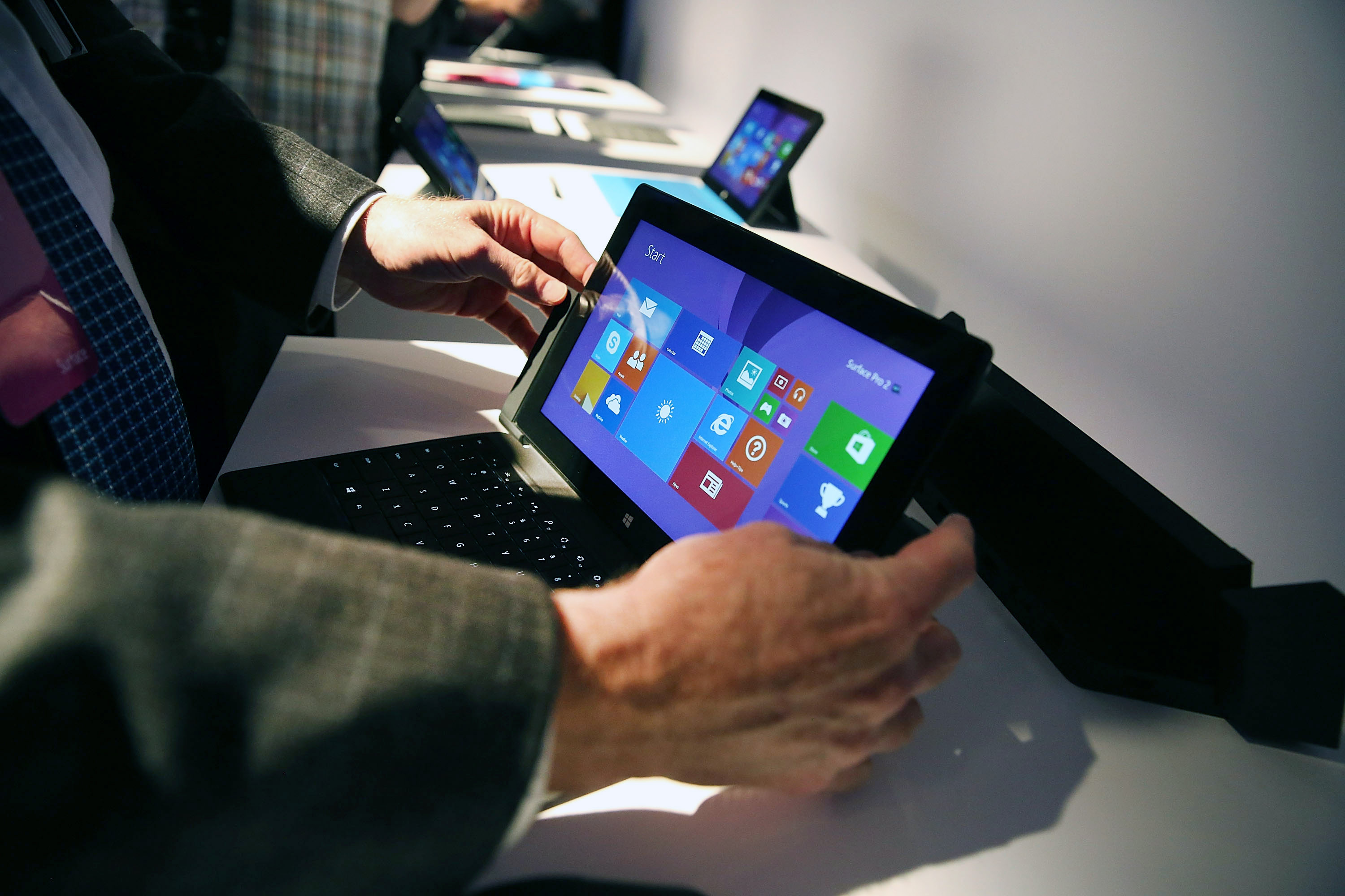 Microsoft Cuts Surface Pro 3 Price by 10% for Schools