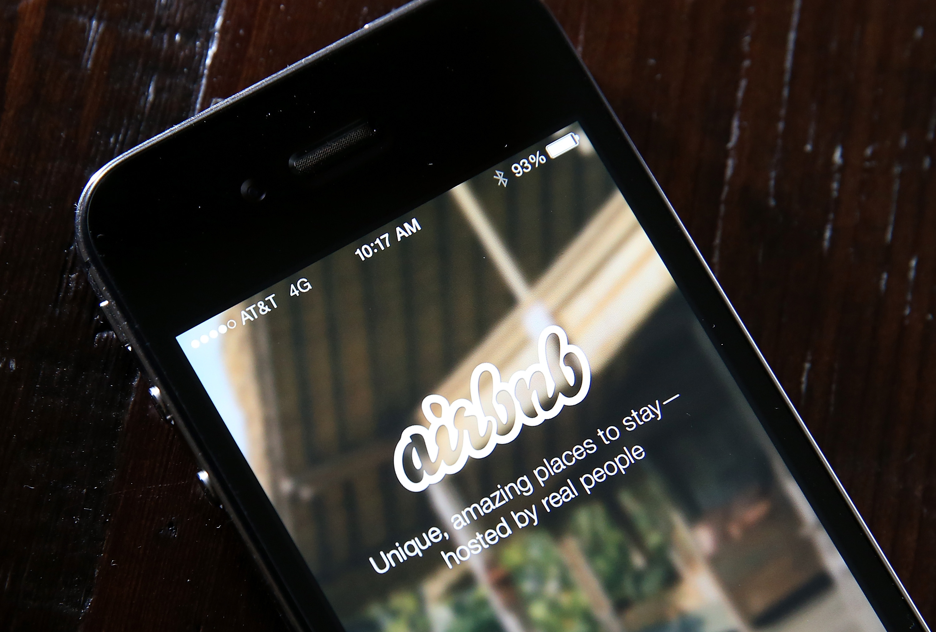 Airbnb Revamps Review System for Hosts and Guests