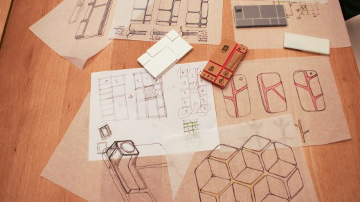 DSC08618 520x292 Behind the scenes: How beehives inspired the design of Googles innovative Project Ara smartphone