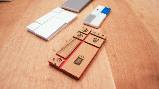 DSC08647 520x292 Behind the scenes: How beehives inspired the design of Googles innovative Project Ara smartphone