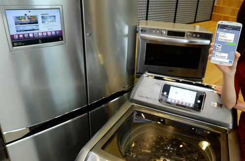 LG Smart Appliances Main 500 LGs new fridge, washing machine and oven can chat with you using Lines messaging app